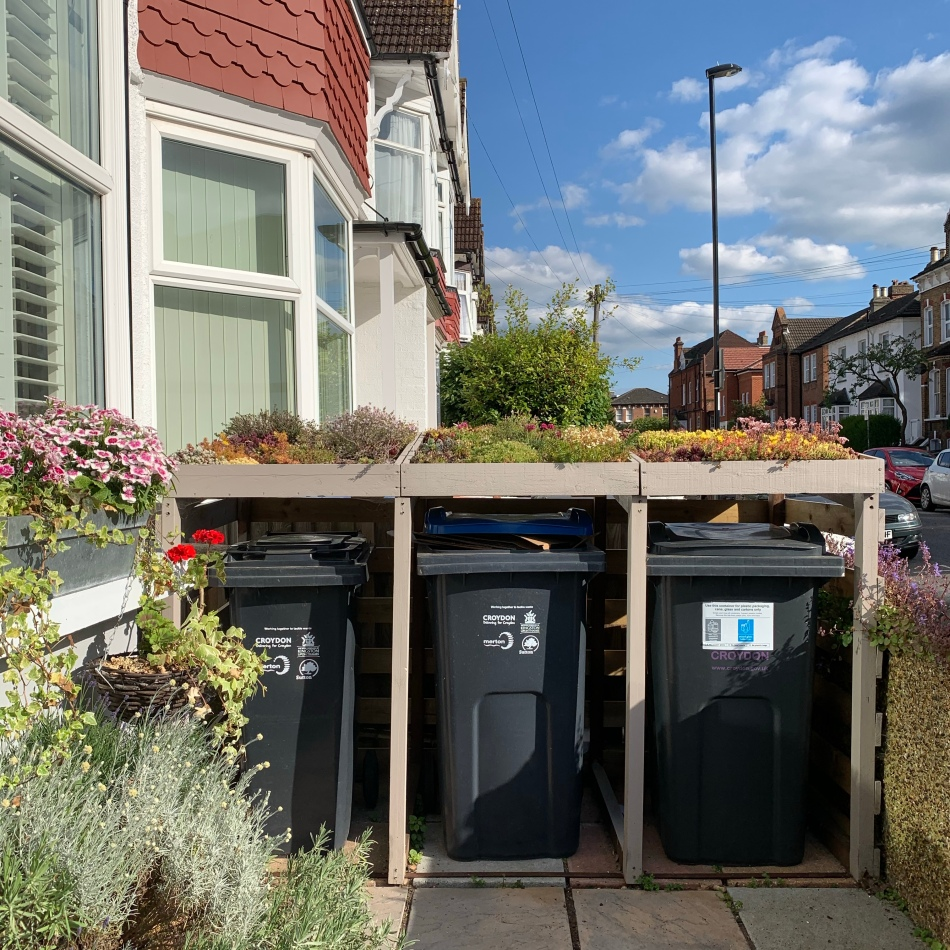 Living roof bin shed